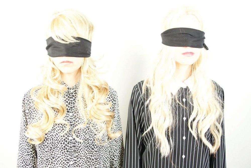casket-girls